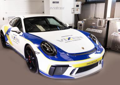 Vixen celebrates in style with Porsche GT3